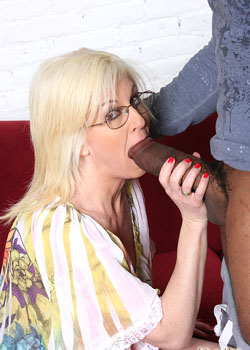 Sindi Starr and Tweetie Valentine fucking a black cock on watching my mom go black blog